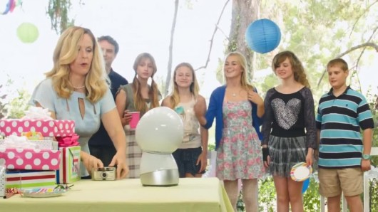 jibo-a-robot-for-your-family-video-1097040-TwoByOne